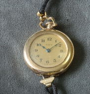 Elgin 14K gold lady transitional wristwatch circa 1917